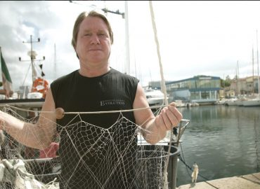 The 'selvedge' or guarding net: a tried and trusted technique to reduce discards